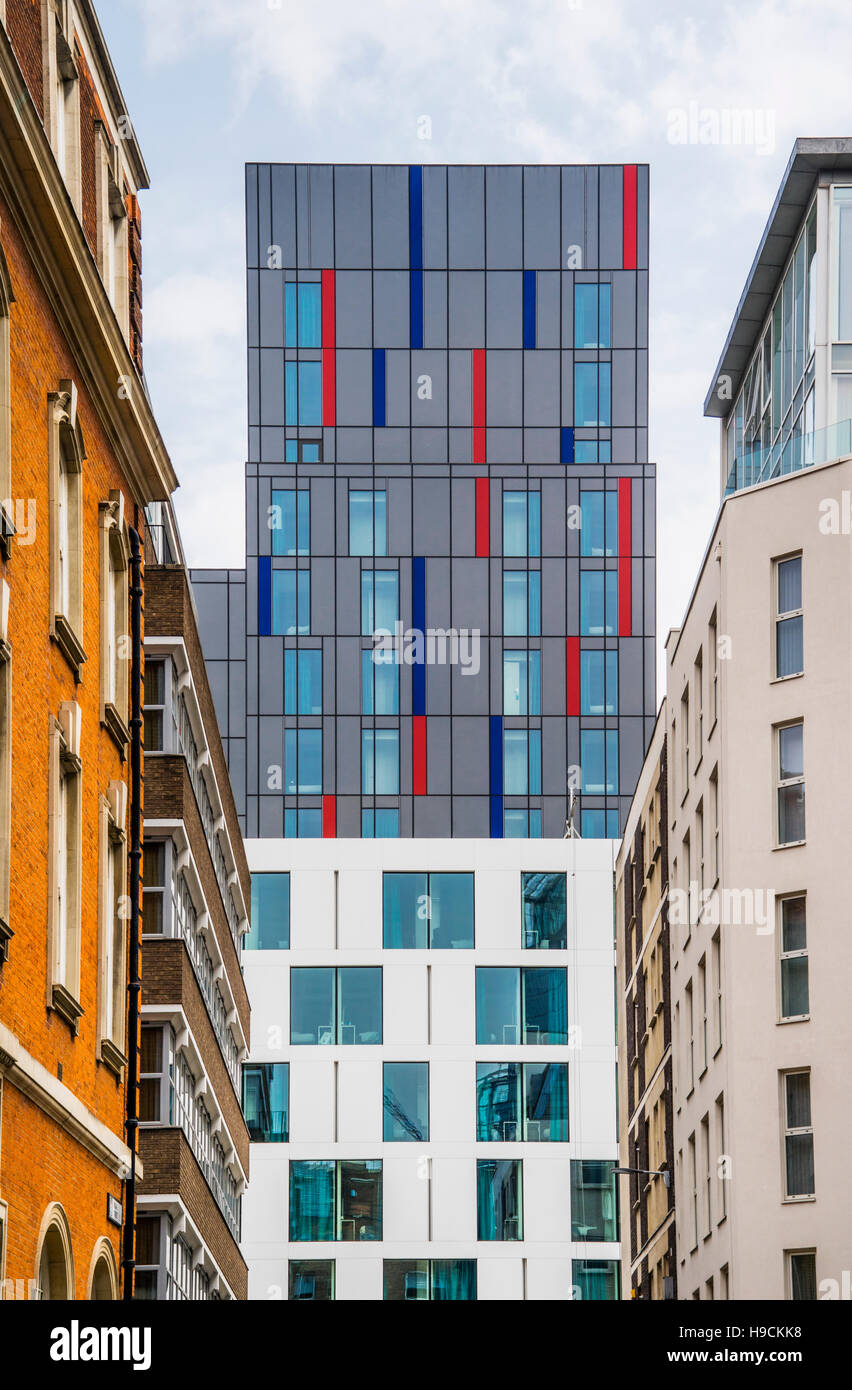 Great Britain, England, City of London, Hotel Motel One Tower Hill seen through India Street - Stock Image