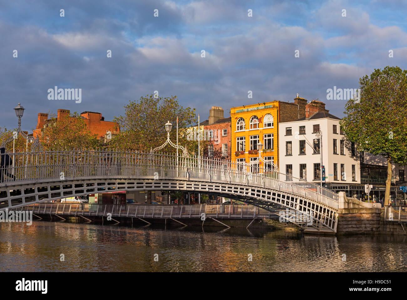 Ha'penny bridge Dublin Ireland - Stock Image