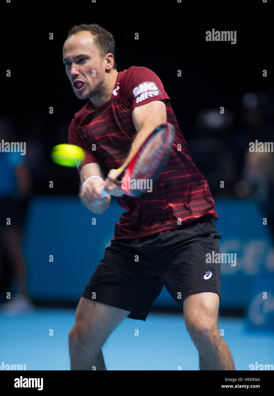 The O2 London UK 19th Nov, 2016 Day 7. Bruno Soares (BRA) in action, two handed backhand. © sportsimages - Stock Image