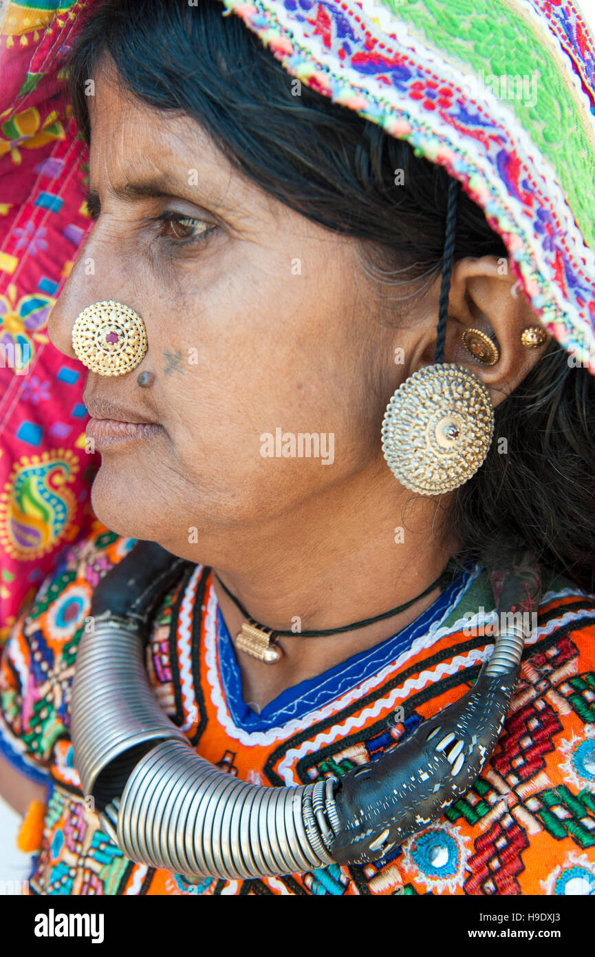 Traditional ankle bracelet on a young Meghawal girl in Hodka, a semi-arid region bordering the Great Raan of Kutch. Stock Photo