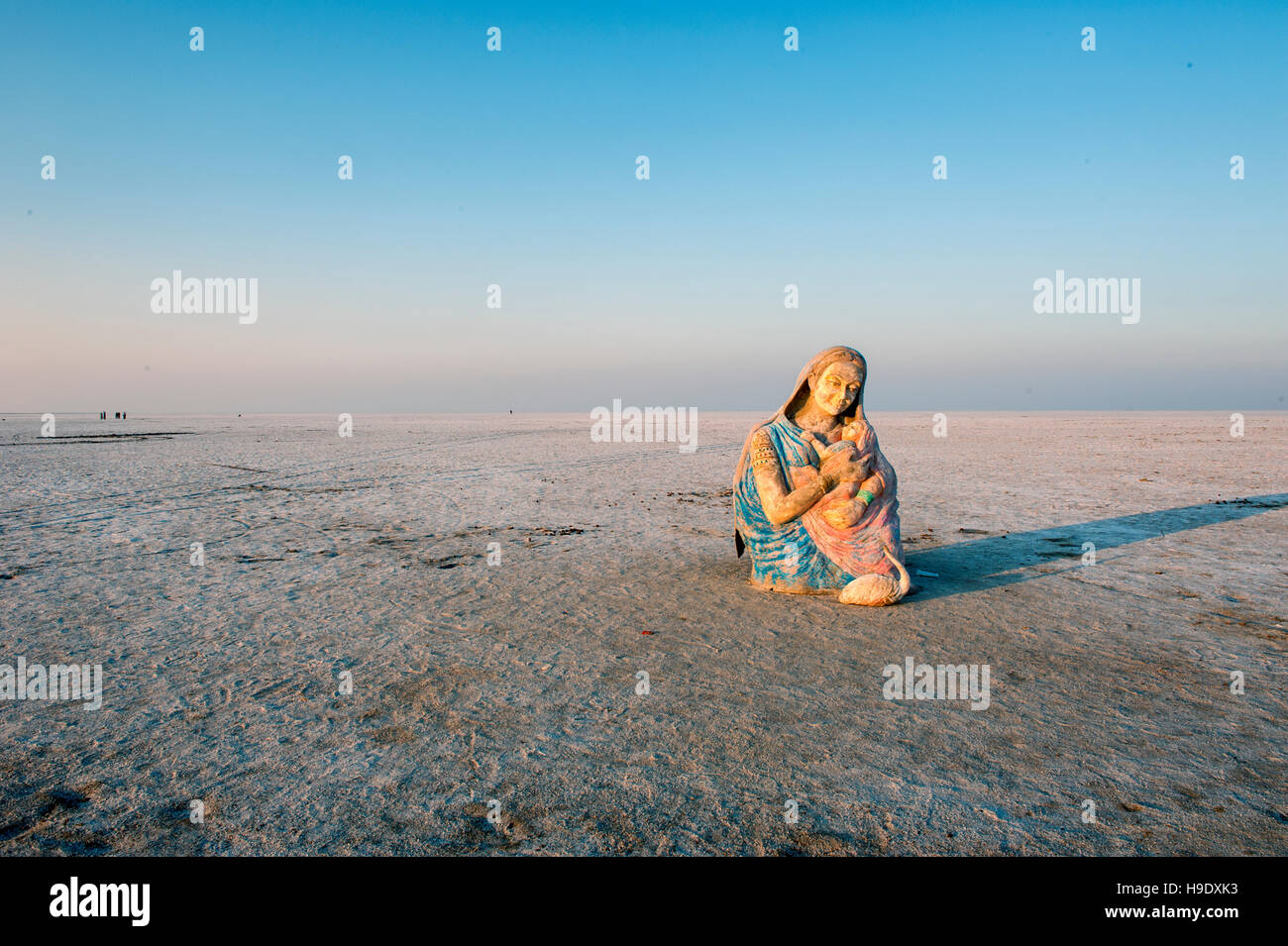 A religious statue left in the Great Rann of Kutch, a seasonal salt marsh located in the Thar Desert of Gujarat, - Stock Image