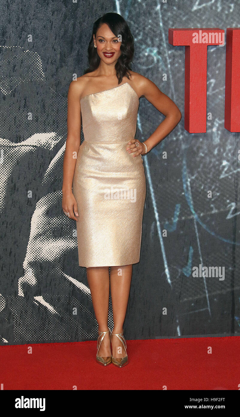 """Oct 17, 2016  - Cynthia Addai-Robinson attending """"The Accountant"""" European Premiere at Cineworld Leicester Square Stock Photo"""