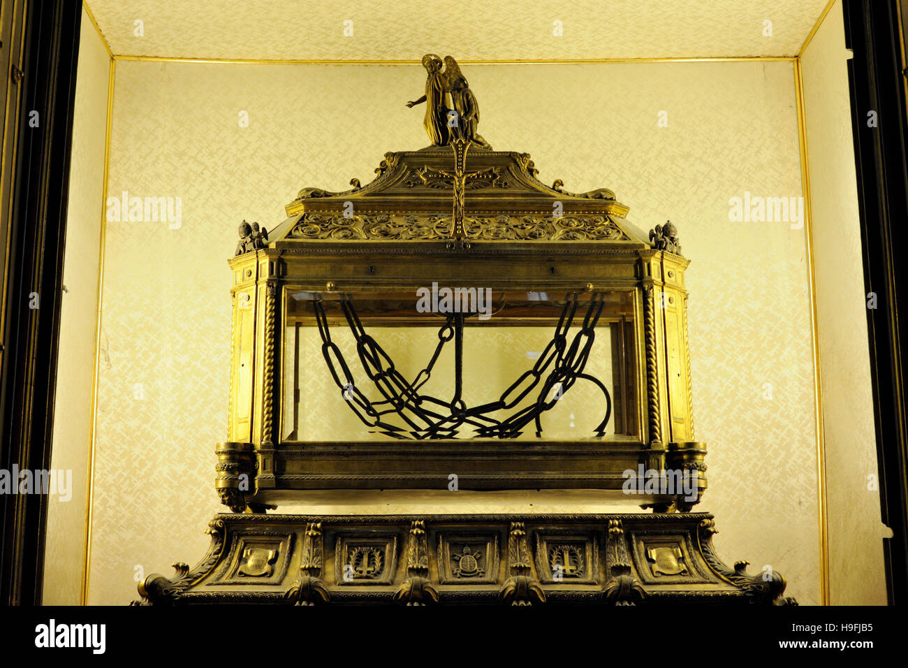 italy, rome, basilica of San Pietro in Vincoli (St. Peter in Chains), reliquary containing the chains of St. Peter Stock Photo