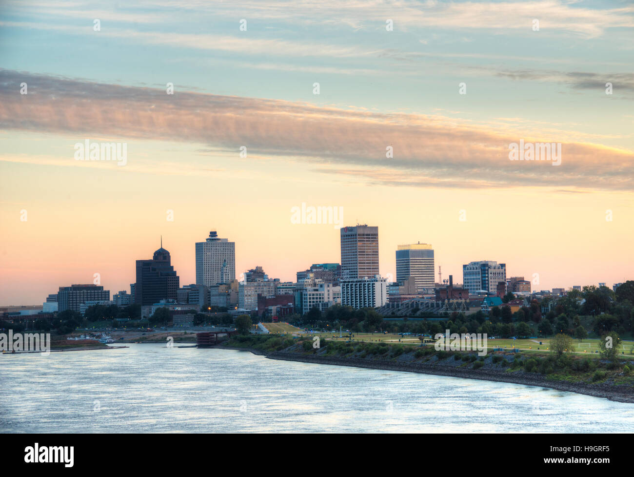 Memphis skyline at Sunrise with Mississippi River - Stock Image