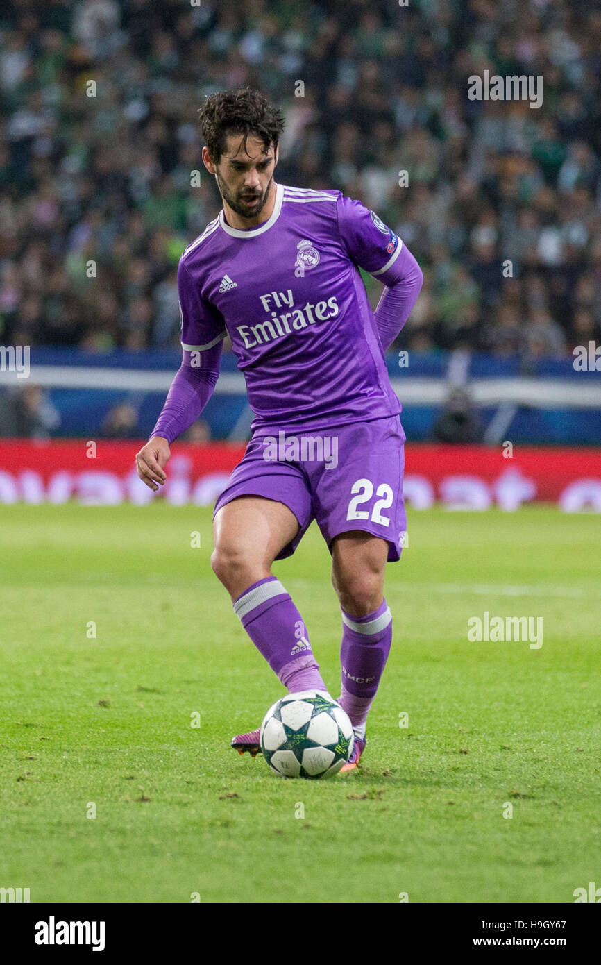 Lisbon, Portugal. 22nd Nov, 2016. Real Madrid's midfielder from Spain Isco (22) during the game of the UEFA - Stock Image