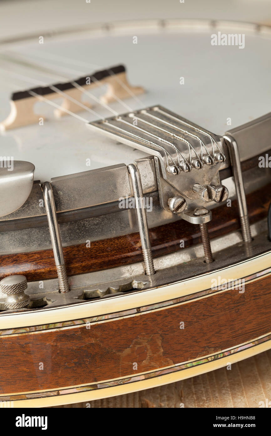 Banjo tailpiece close up - Stock Image
