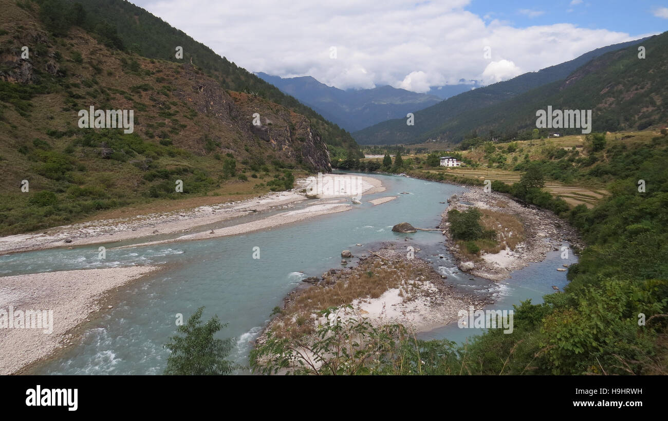 BHUTAN Confluence of the Pho Chhu (Father River) at top and Mo Chhu just downstream from the Dzong at Punakha.  - Stock Image