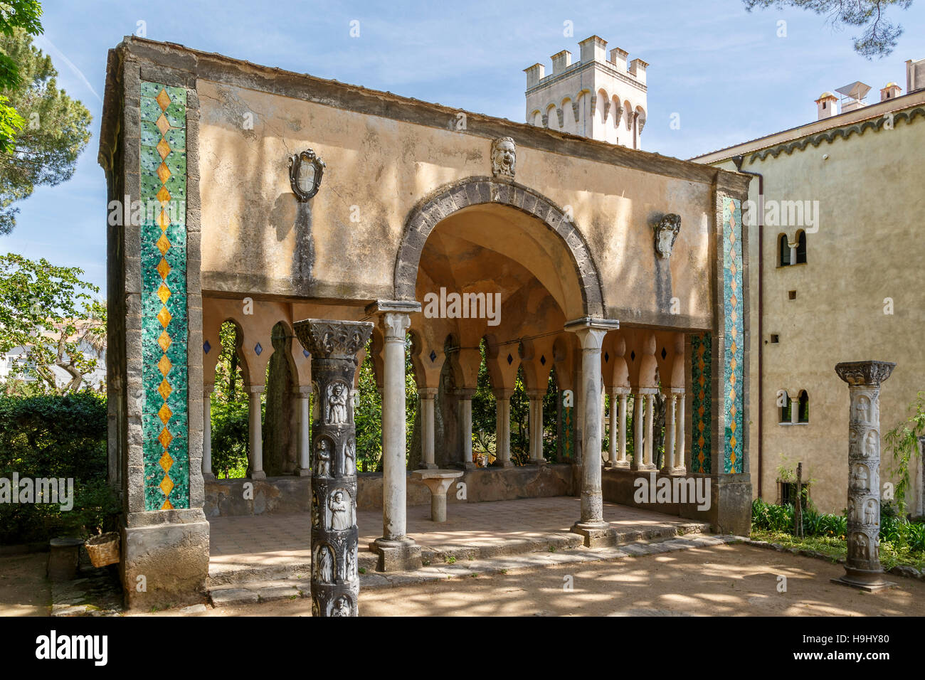 The strong Moorish influence in the architecture of parts of the 11thC Villa Cimbrone, Ravello, Southern Italy. - Stock Image