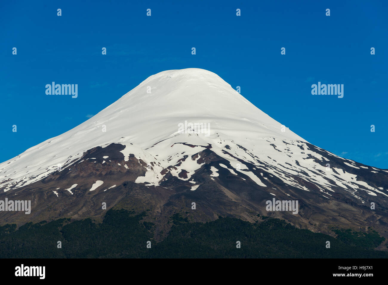 Osorno Volcano, The lakes Region, Chile. Volcán Osorno, Region de los Lagos, Chile. - Stock Image
