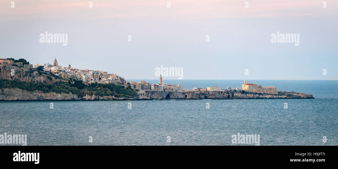 Vieste high definition scenic view with the sea (Puglia, Italy) - Stock Image