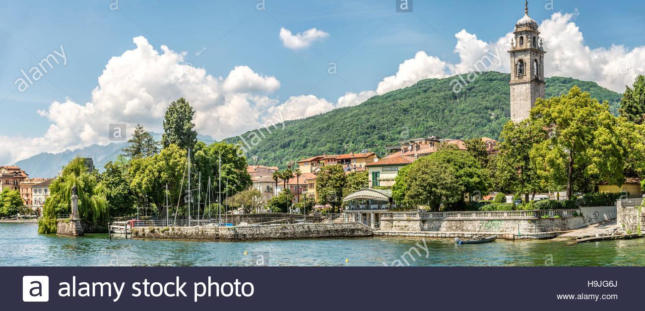 Waterfront of Pallanza at Lago Maggiore seen from the seaside, Piemont, Italy |  Seepromenade von Pallanza am Lago Stock Photo