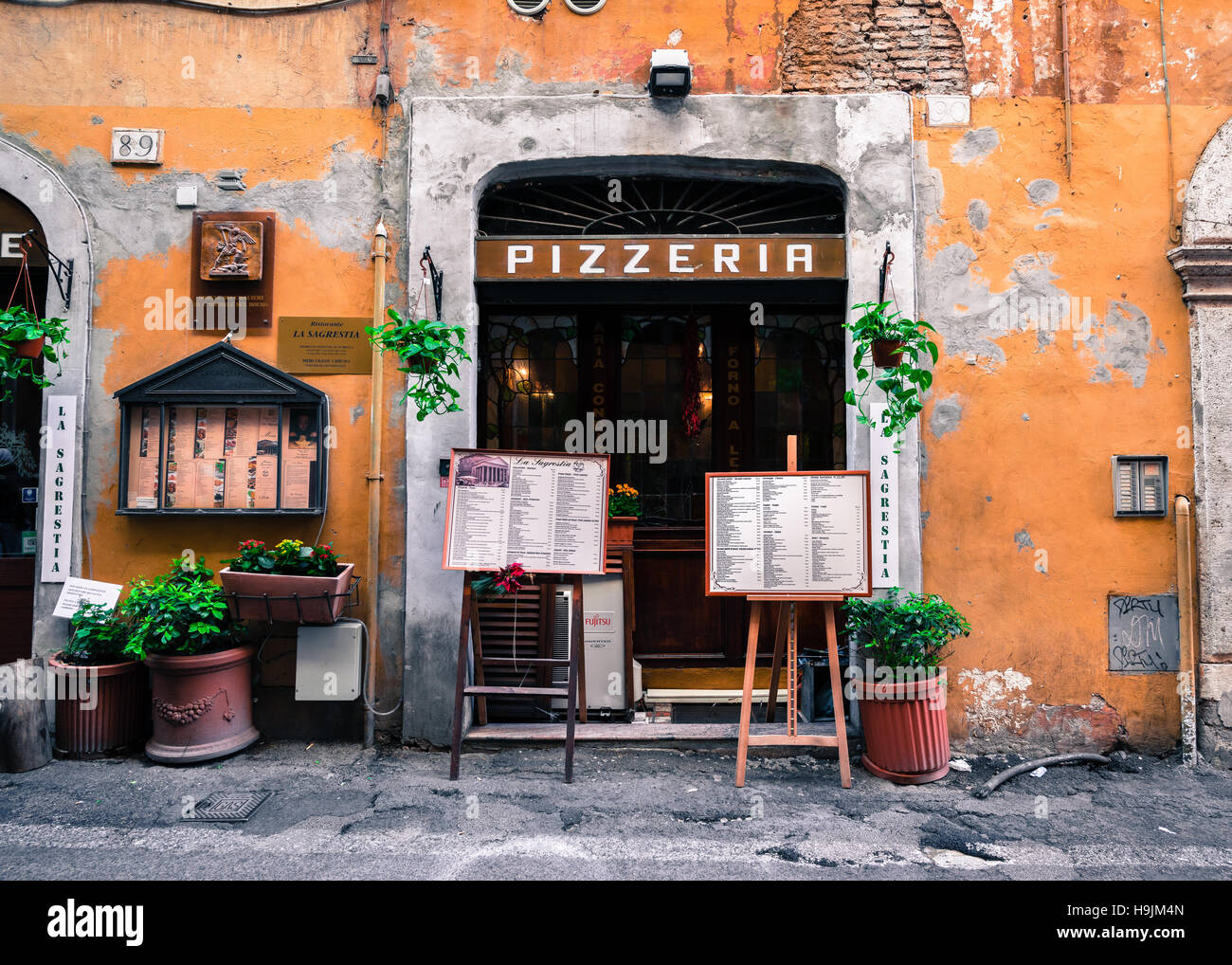 Where Is The Street Food In Rome