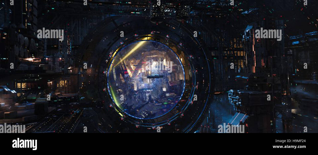 Valerian And The City Of A Thousand Planets 2017 Luc Besson Dir Stock Photo Alamy