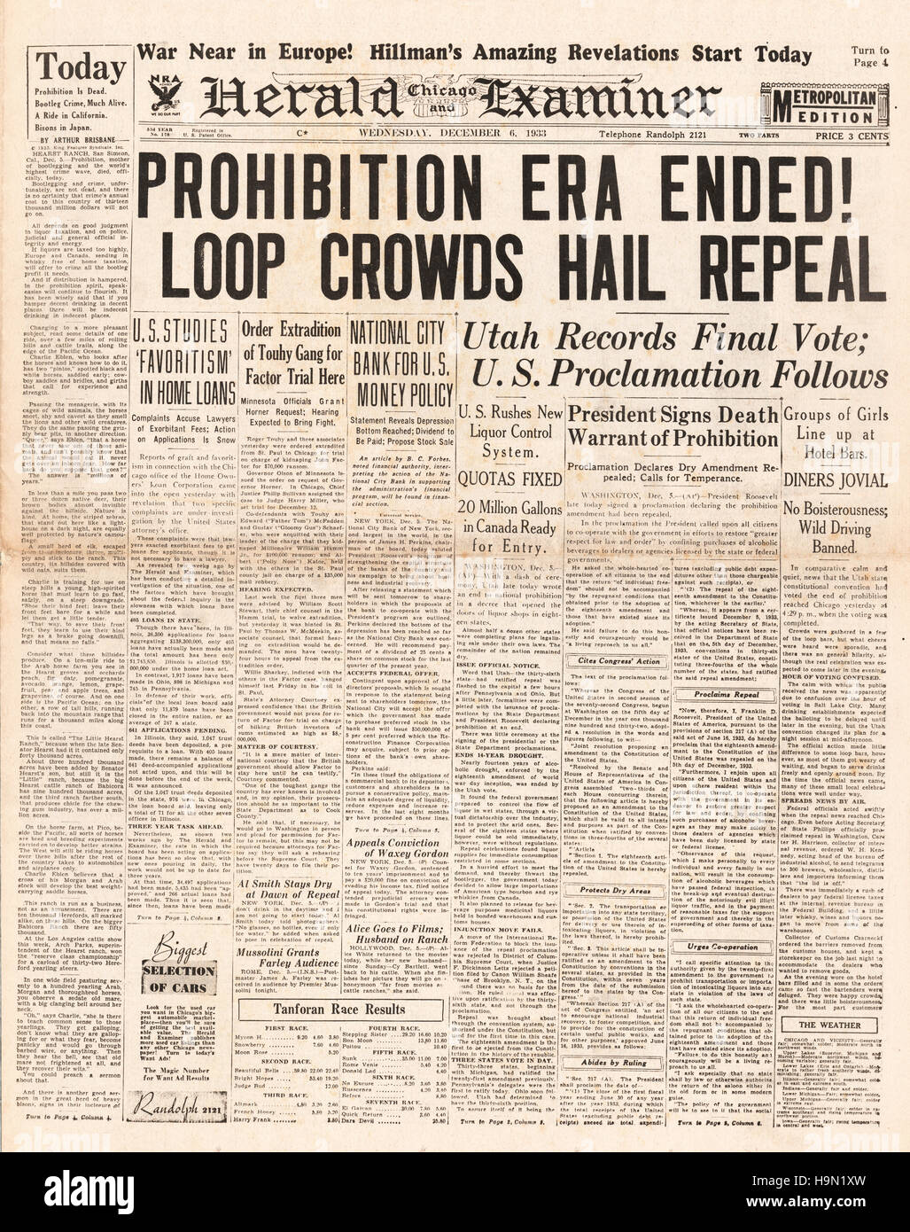 1937 Chicago Herald Examiner front page End of prohibition Stock Photo