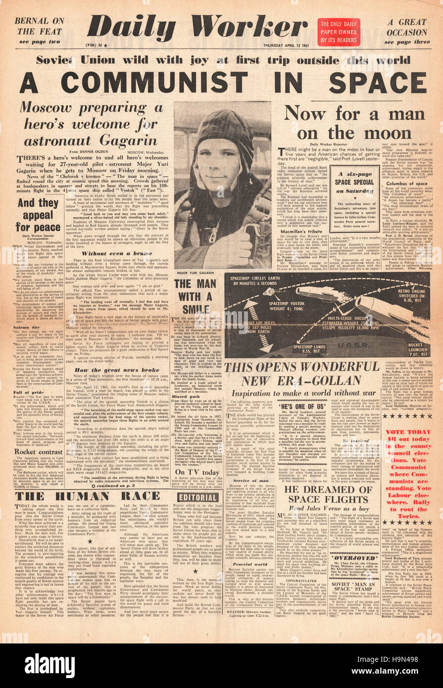 1961 Daily Worker front page Yuri Gagarin is first man in space Stock Photo