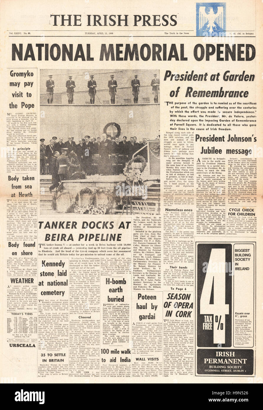 1966 Irish Press front page Memorial to Easter Uprising - Stock Image