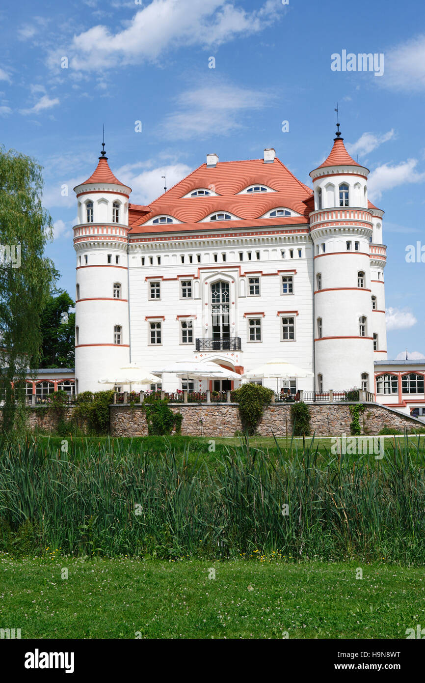 castle and hotel Schildau (Palac Wojanow). Wojanow, Myslakowice (Zillerthal-Erdmannsdorf), poland, europe Stock Photo