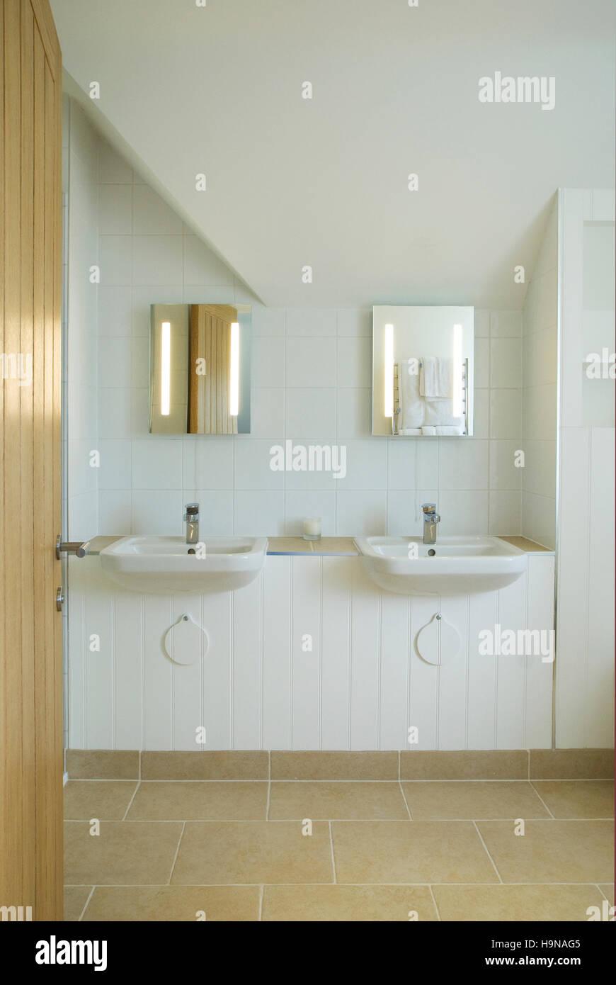 Matching Mirrors Stock Photos & Matching Mirrors Stock Images - Alamy