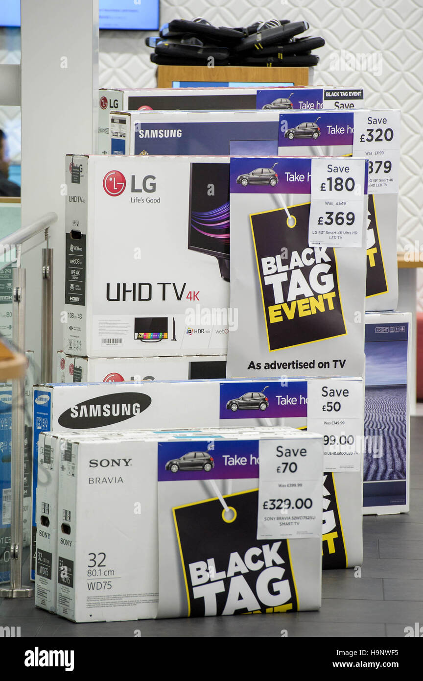 Editorial Use Only Black Friday Deals At Currys Pc World On Oxford Stock Photo Alamy
