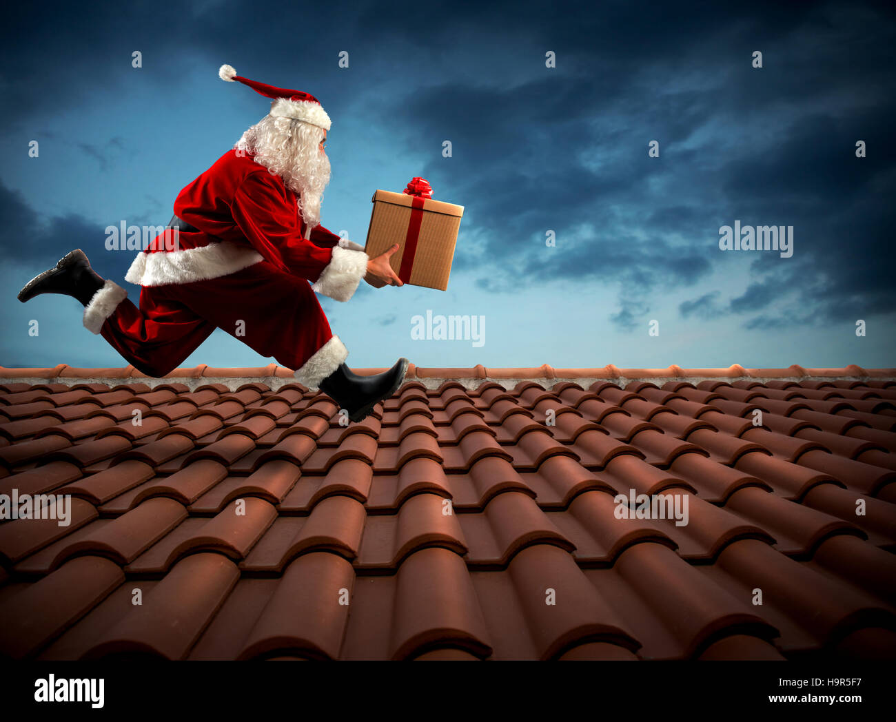 Fast delivery Santa Claus - Stock Image