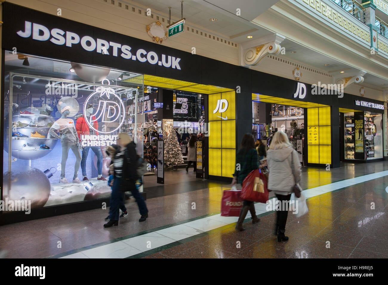 Jd Sports Store Uk Stock Photos & Jd Sports Store Uk Stock