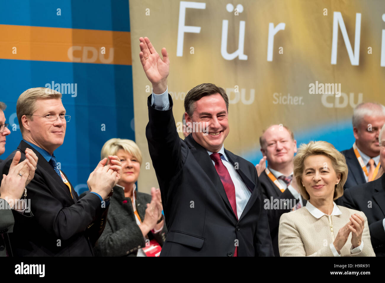 Hameln, Germany. 26th Nov, 2016. David McAllister (CDU, C), former head of the CDU in Lower Saxony and candidate - Stock Image