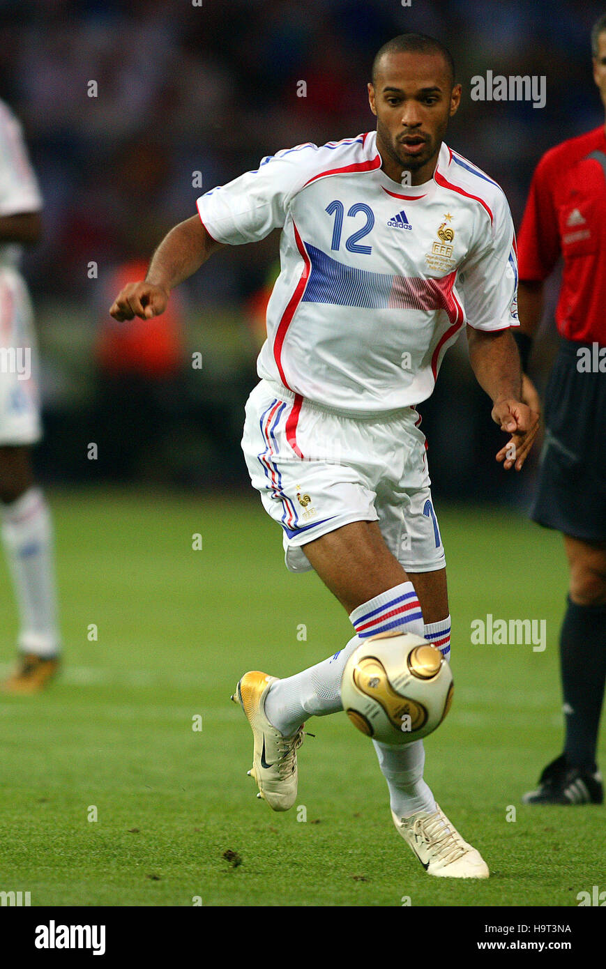 c36d8f013 THIERRY HENRY FRANCE   ARSENAL FC OLYMPIC STADIUM BERLIN GERMANY 09 July  2006