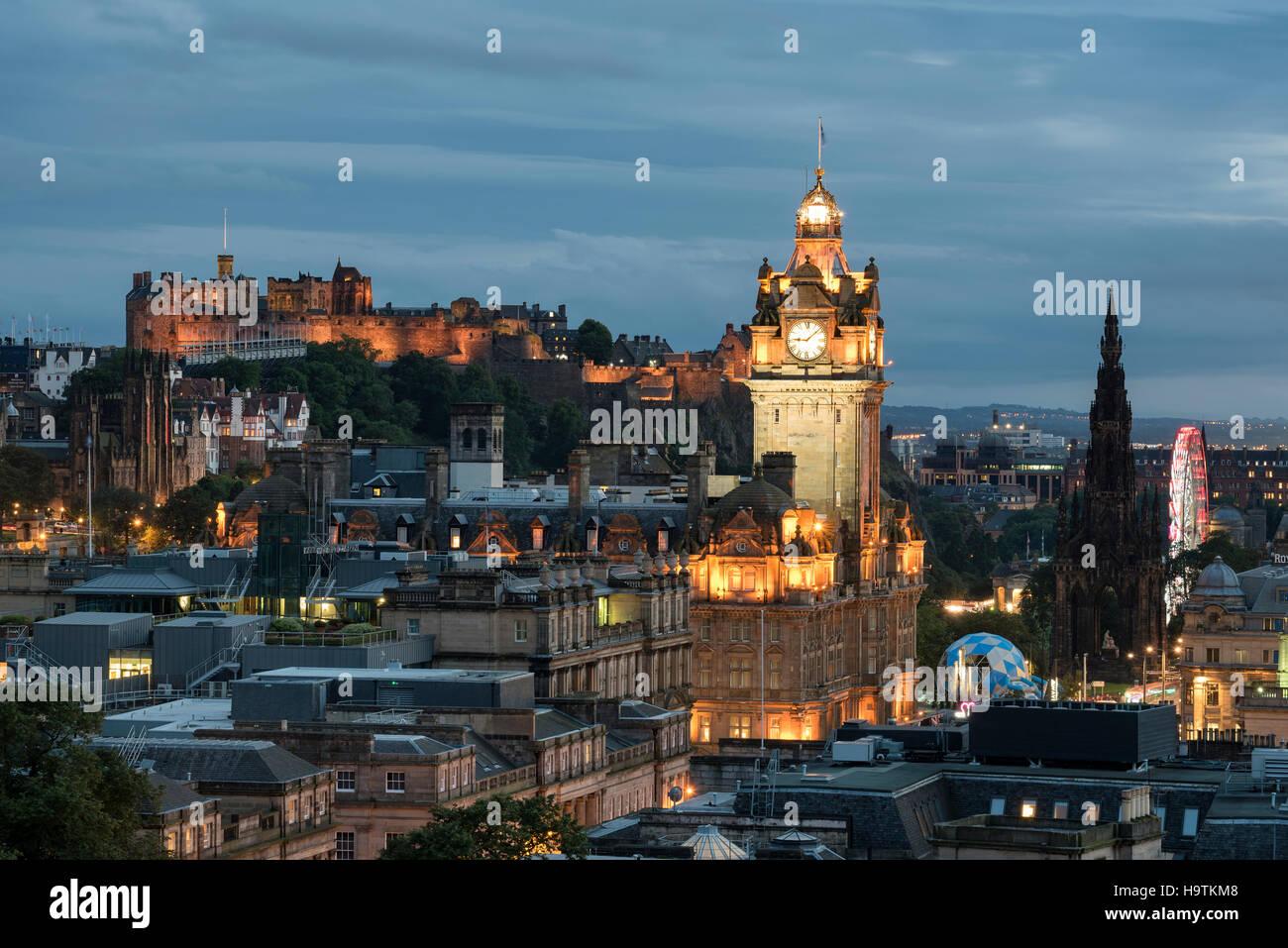 View of historic centre of Edinburgh with Balmoral Hotel tower and Edinburgh Castle, Edinburgh, Scotland, United - Stock Image