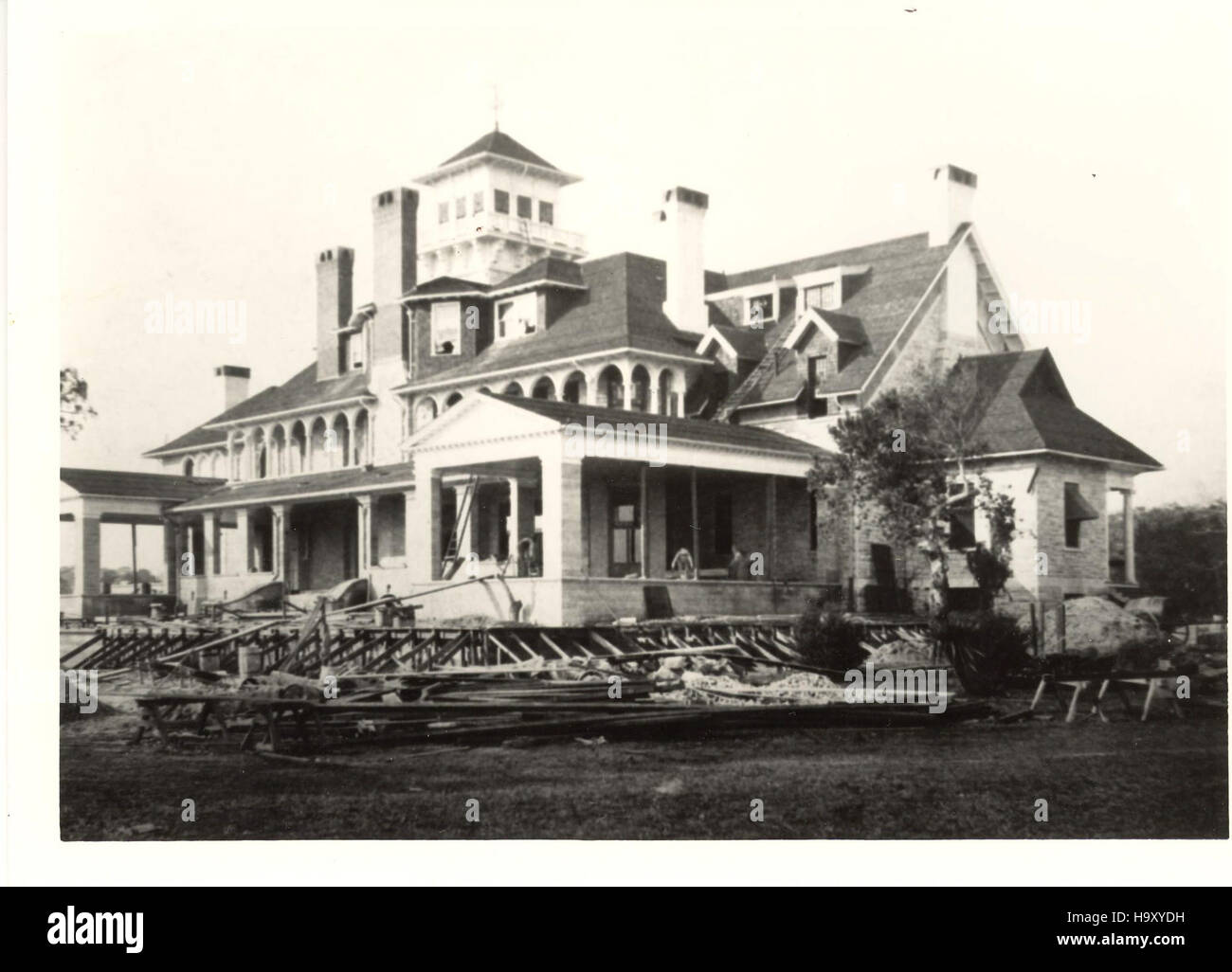 116462146 N08 12411108843 Expanding Dungeness Mansion C 1896 Stock Photo Alamy