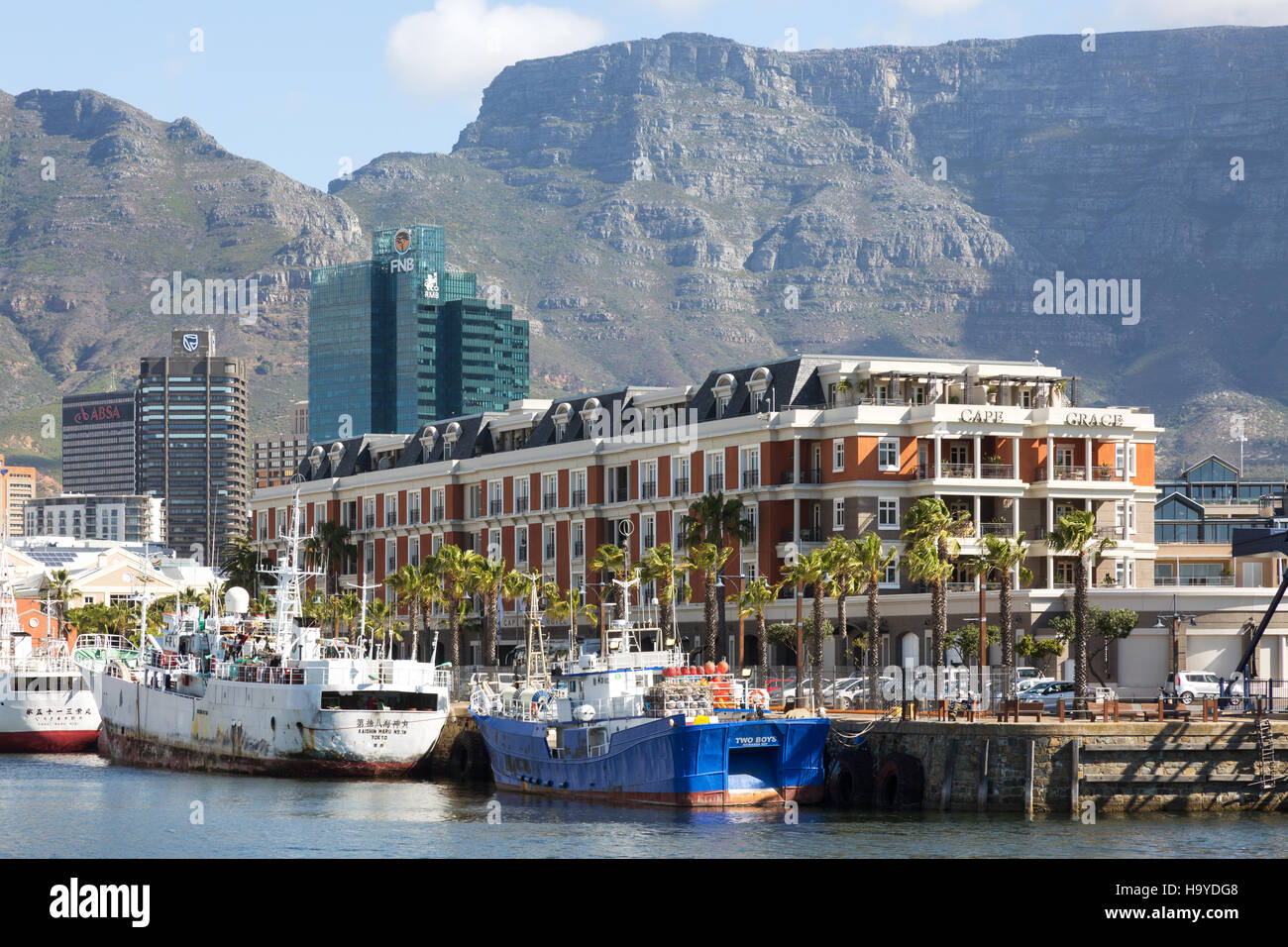 The luxury Cape Grace Hotel and Table Mountain, the Waterfront, Cape Town South Africa - Stock Image