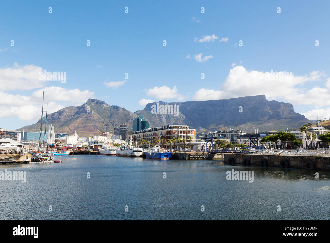 The Waterfront and Table Mountain, Cape Town, South Africa - Stock Image