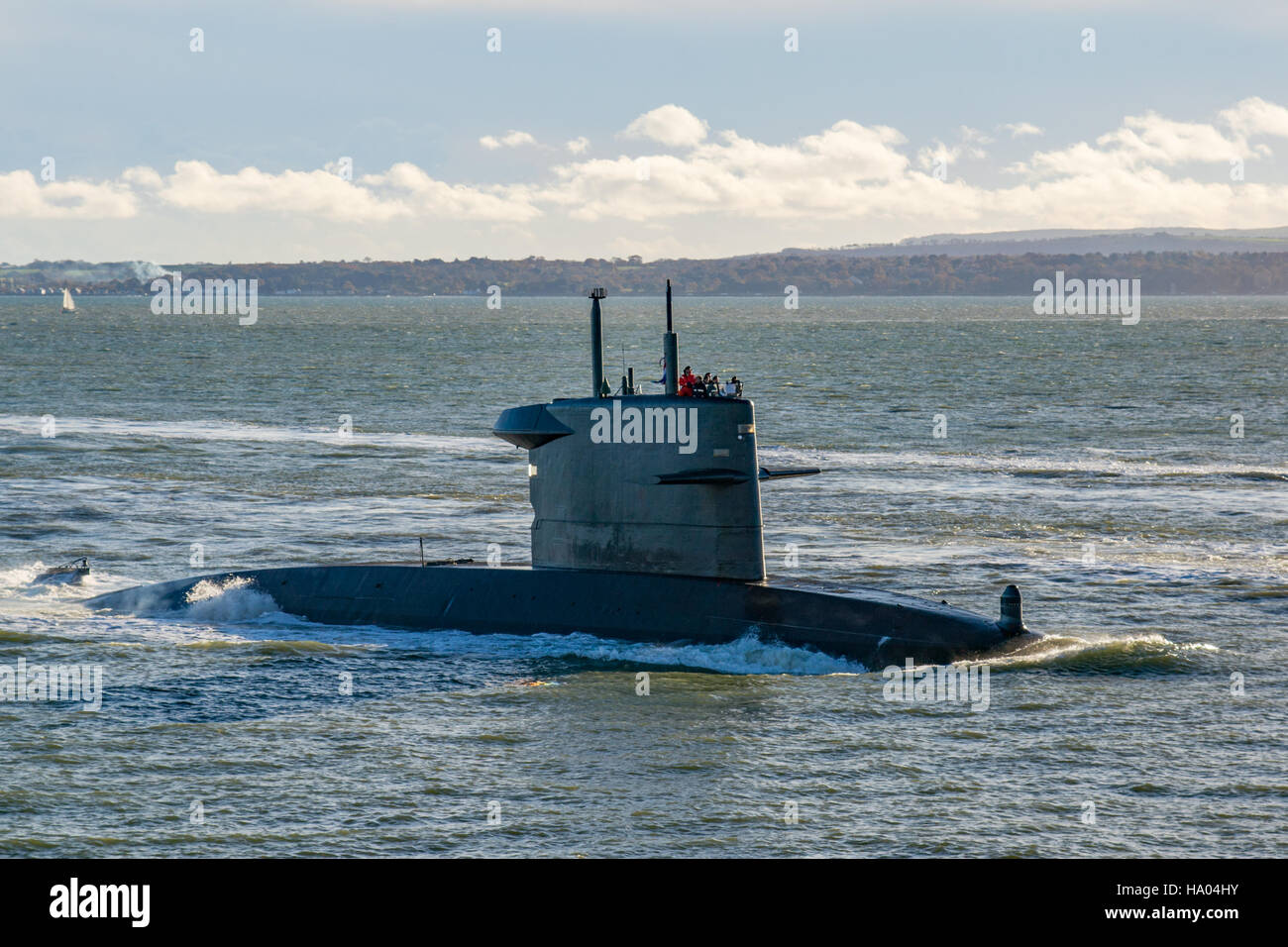 The Dutch Navy (Koninklijke Marine) submarine, HNLMS Bruinvis (S810) arriving at Portsmouth, UK on the 18th November - Stock Image
