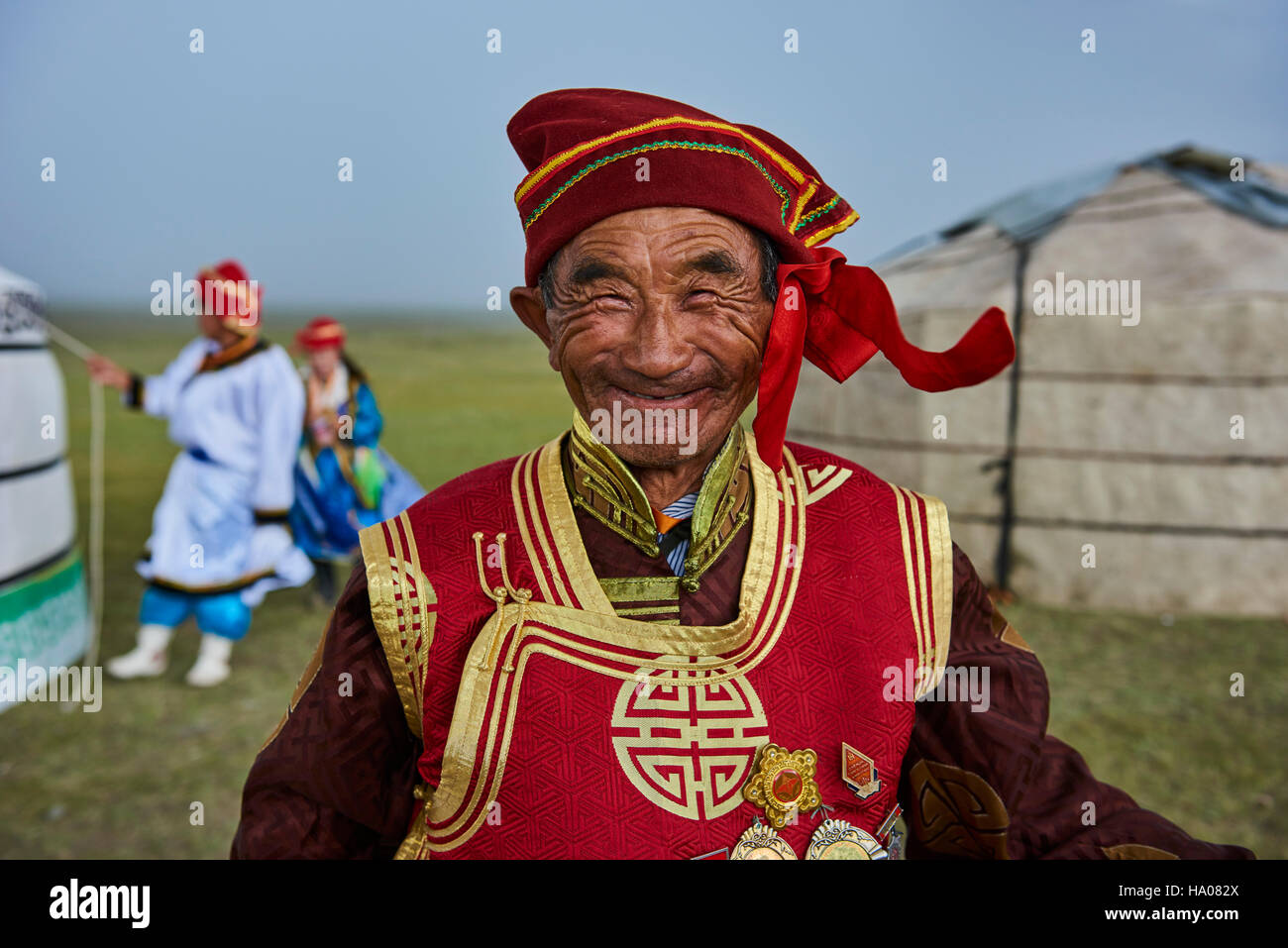 Mongolia, Uvs province, western Mongolia, nomad wedding in the steppe, portrait of an old man from Dorvod ethnic - Stock Image