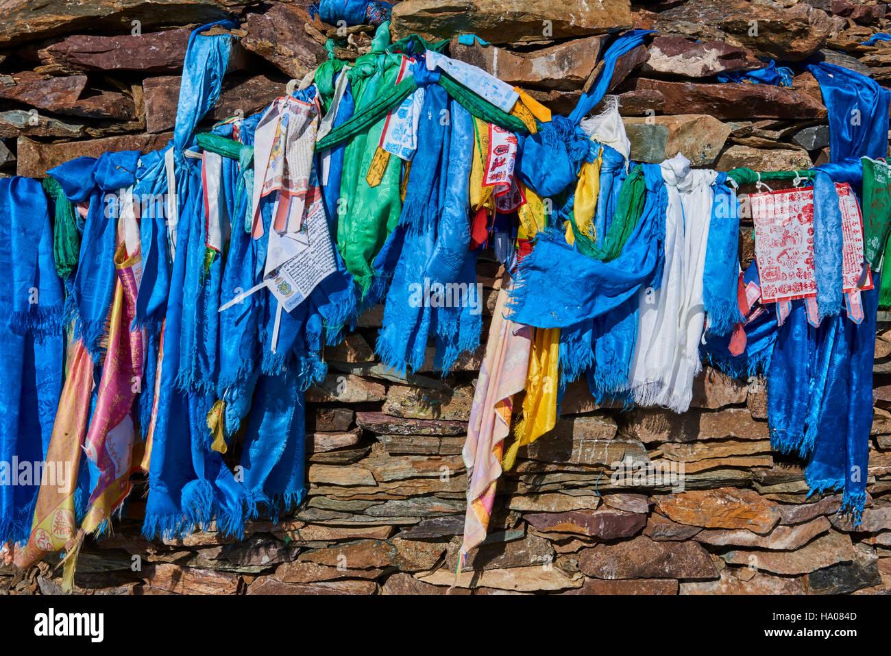 Mongolia, Bayan-Ulgii province, western Mongolia, National parc of Tavan Bogd, the shamanic ovoo near Potanine glacier - Stock Image