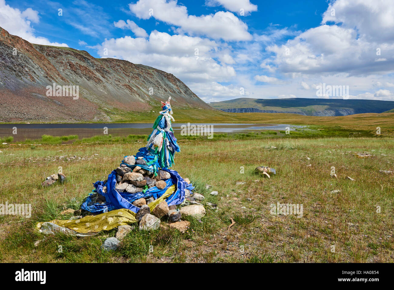 Mongolia, Bayan-Ulgii province, western Mongolia, National Parc of Tavan Bogd, shamanic ovoo Stock Photo