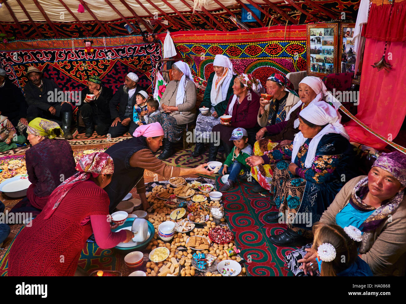 Mongolia, Bayan-Ulgii province, western Mongolia, nomad camp of Kazakh people in the steppe, festival inside the - Stock Image