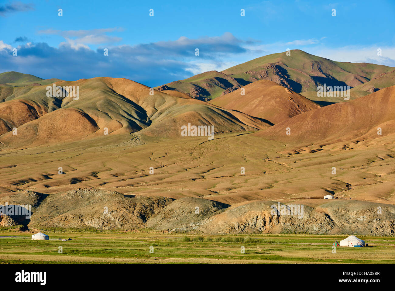 Mongolia, Bayan-Ulgii province, western Mongolia, the colored mountains of the Altay, nomad camp of the Kazakh people Stock Photo