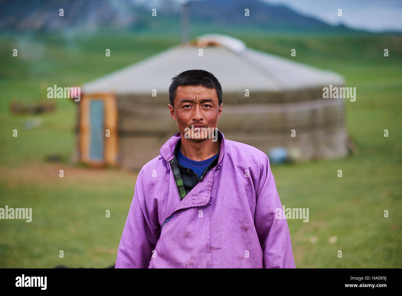 Mongolia, Khentii province, nomad man in front of his yurt - Stock Image