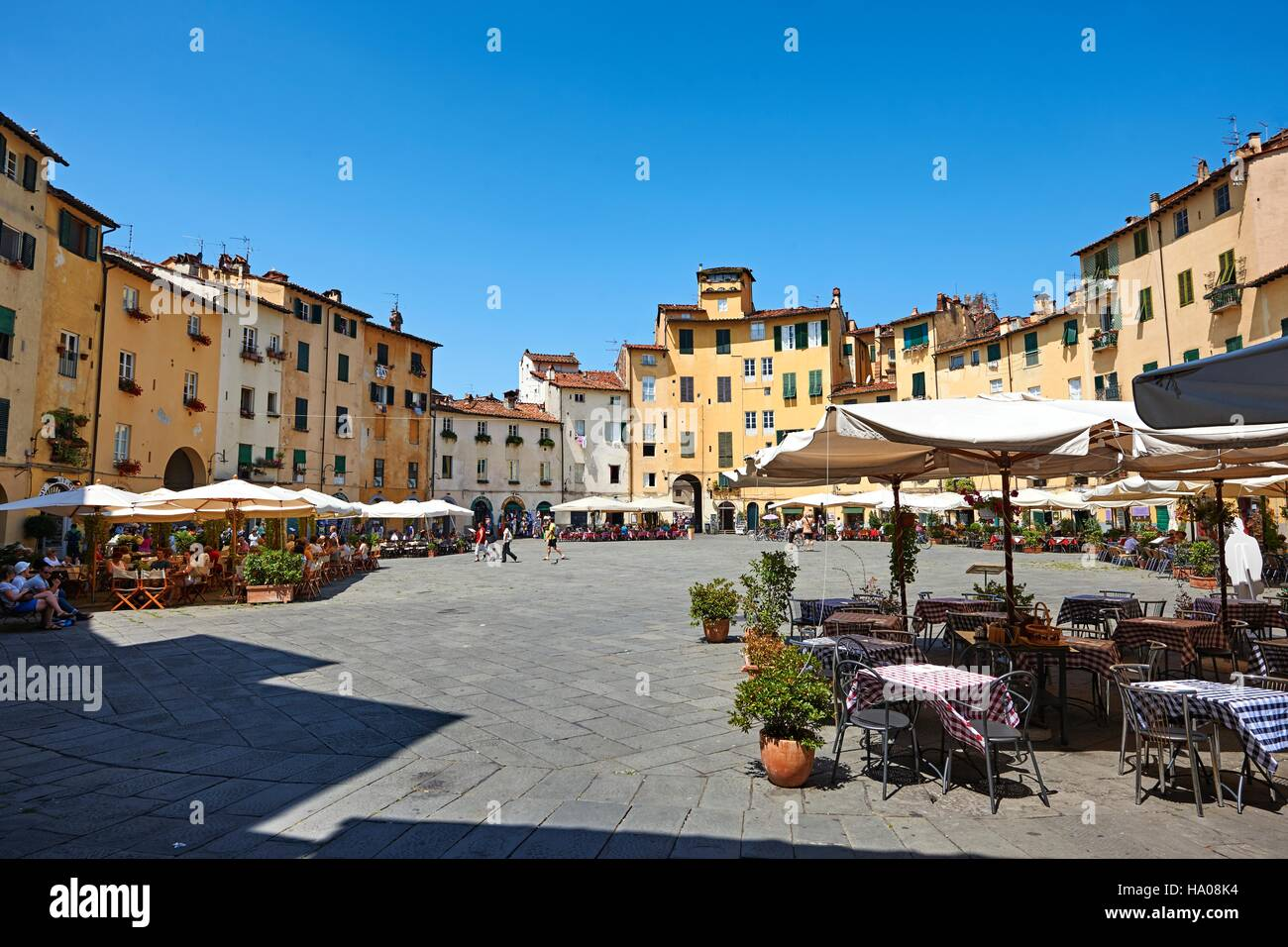 Piazza dell'Anfiteatro, Lucca, Tuscany, Italy - Stock Image