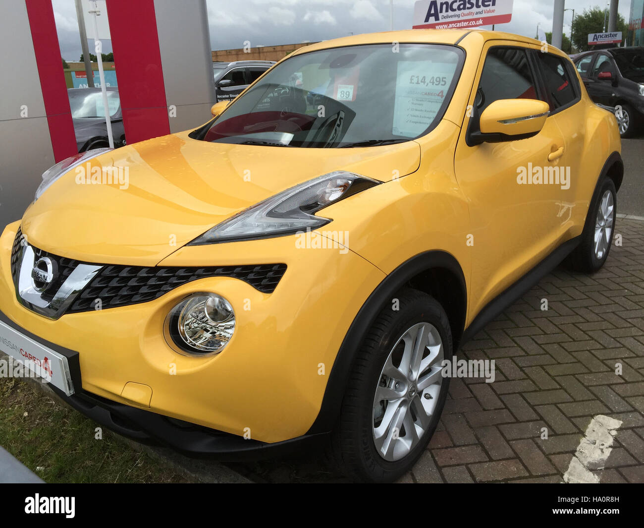 NISSAN JUKE. Photo Tony Gale   Stock Image