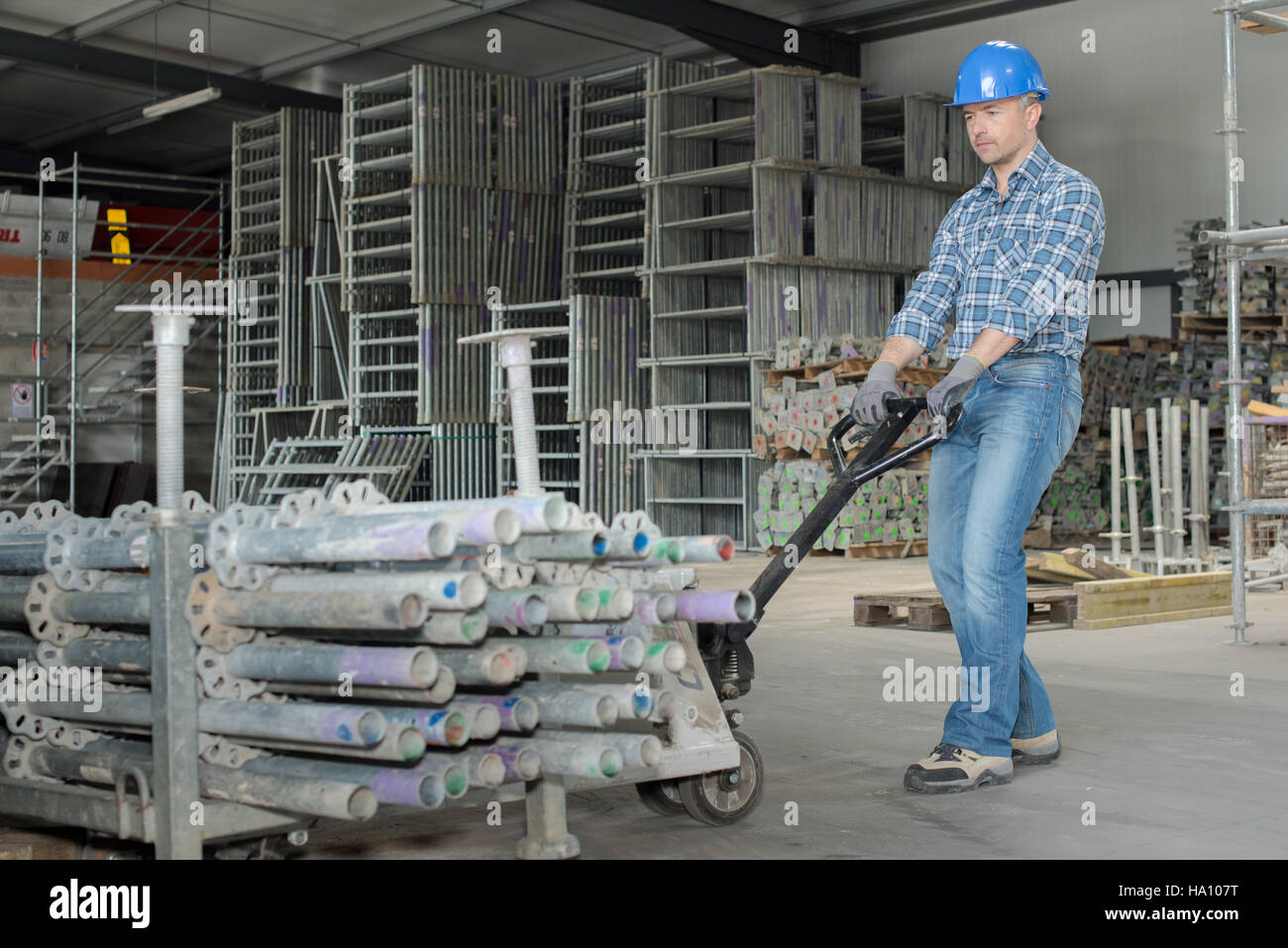 using pull cart - Stock Image