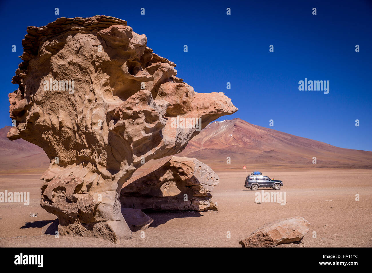 Jeep at Arbol de Piedra near Uyuni - Stock Image