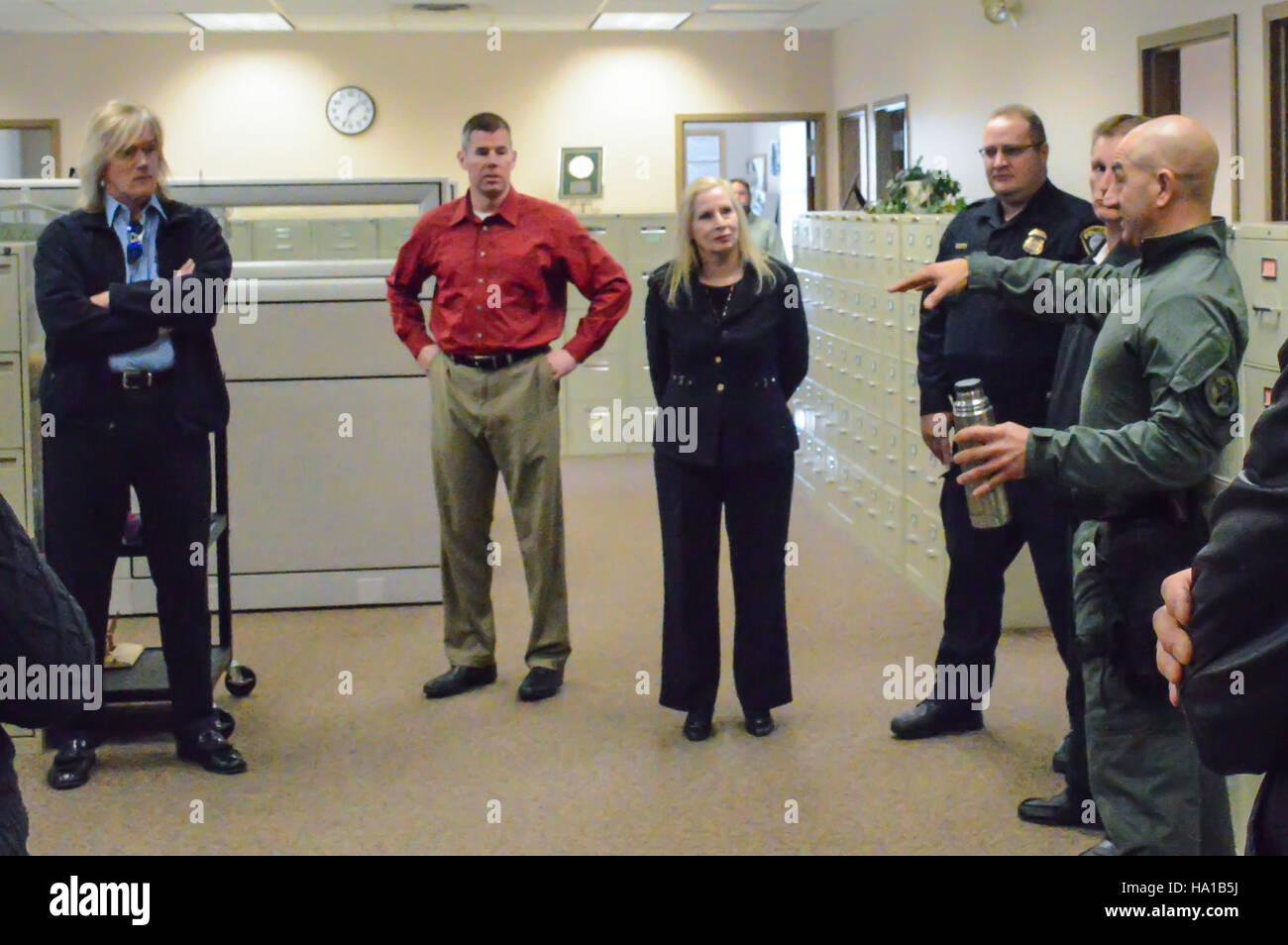 usdagov 24814689385 USDA Rural Development staff listening as Department of Homeland Security Federal Protective - Stock Image