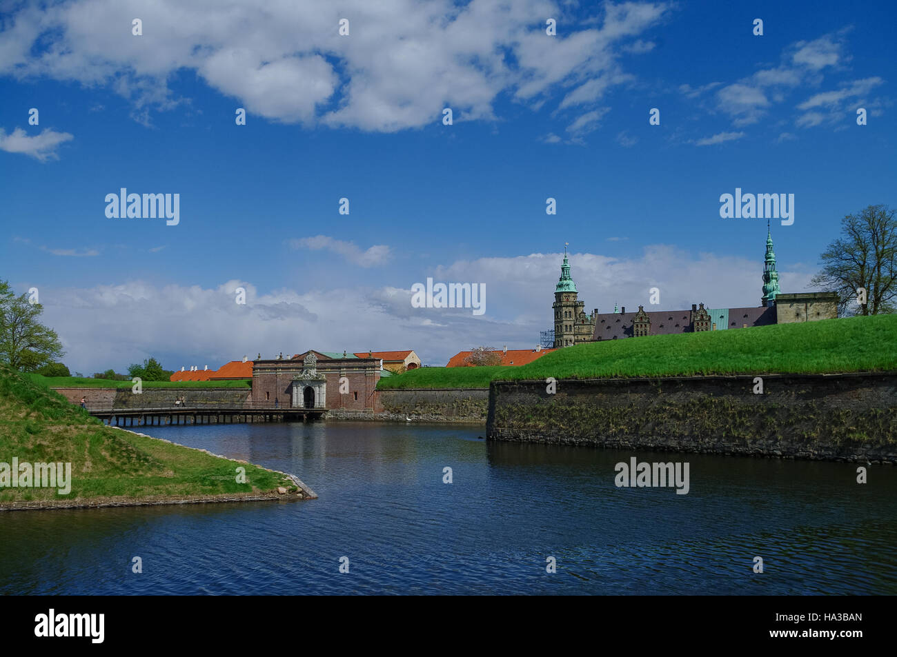 Moat and entrance gate to castle and fortress of Kronborg, home of Shakespeare's Hamlet. Denmark - Stock Image
