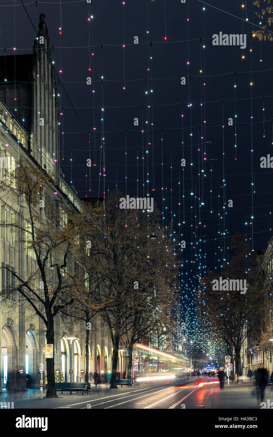 Christmas shopping in the decorated Zurich Bahnhofstrasse - 1 - Stock Image