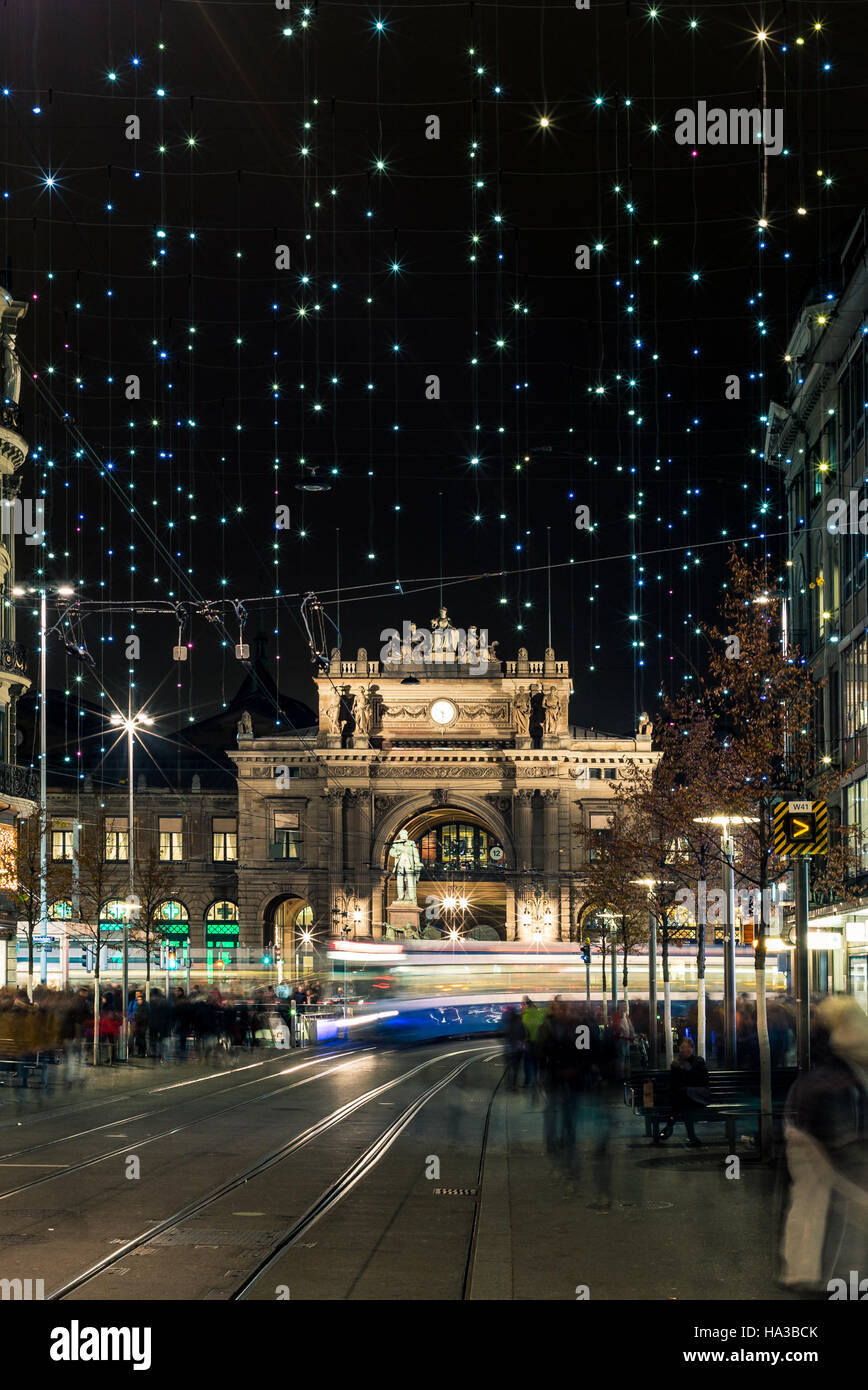 Christmas shopping in the decorated Zurich Bahnhofstrasse - 5 - Stock Image