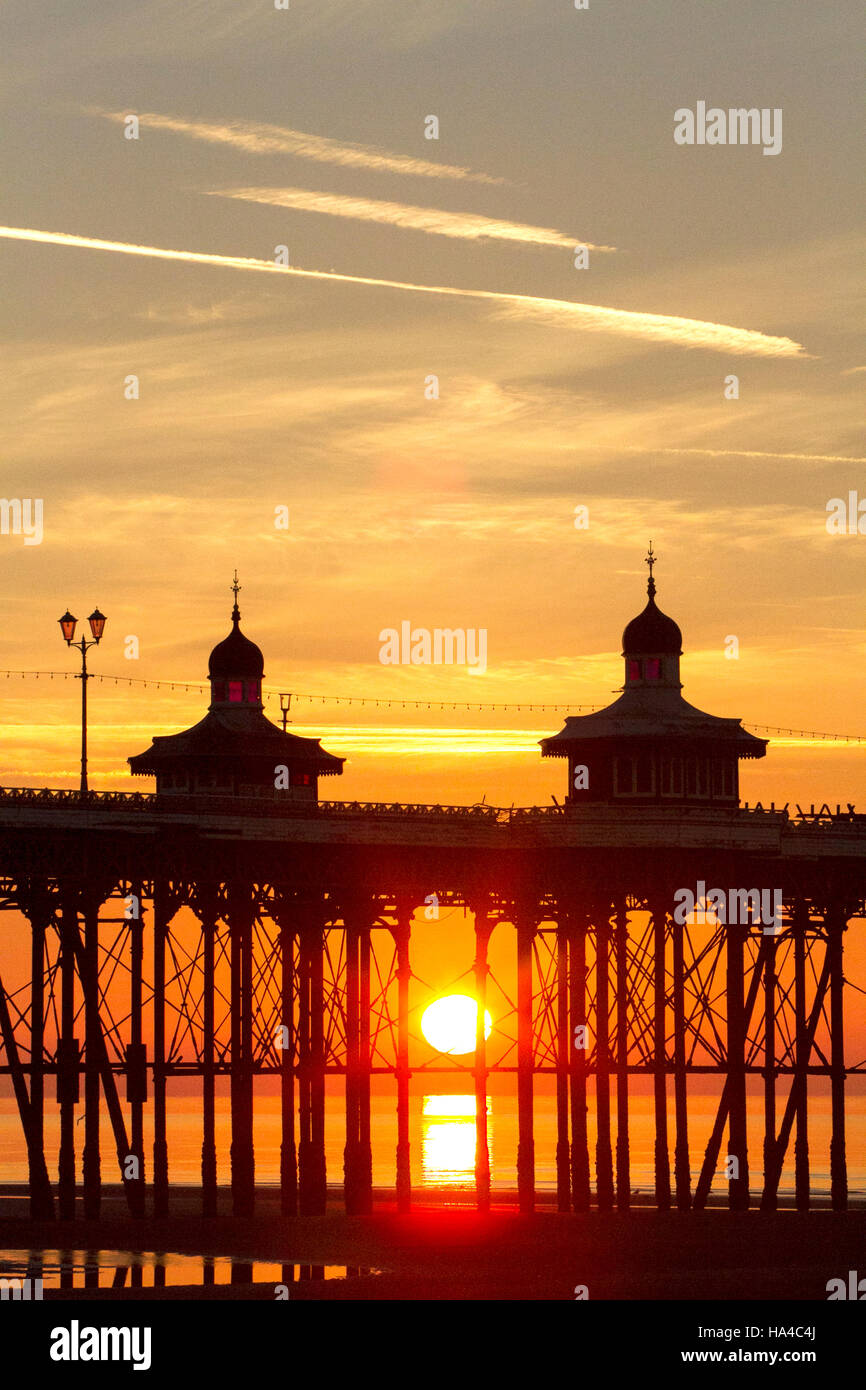 Blackpool, Lancashire, UK. 26th November, 2016. UK Weather: Sunset over Blackpool, Lancashire: 26/11/2016.  After - Stock Image