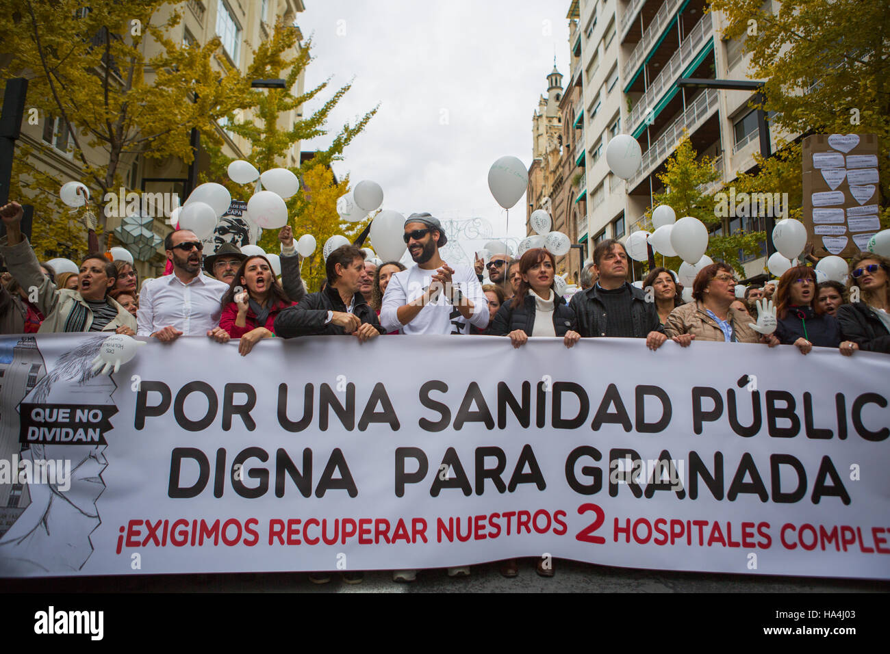 Granada, Spain. 27th Nov, 2016. Protesters held up a placard, which says ' For a public health system with dignity - Stock Image