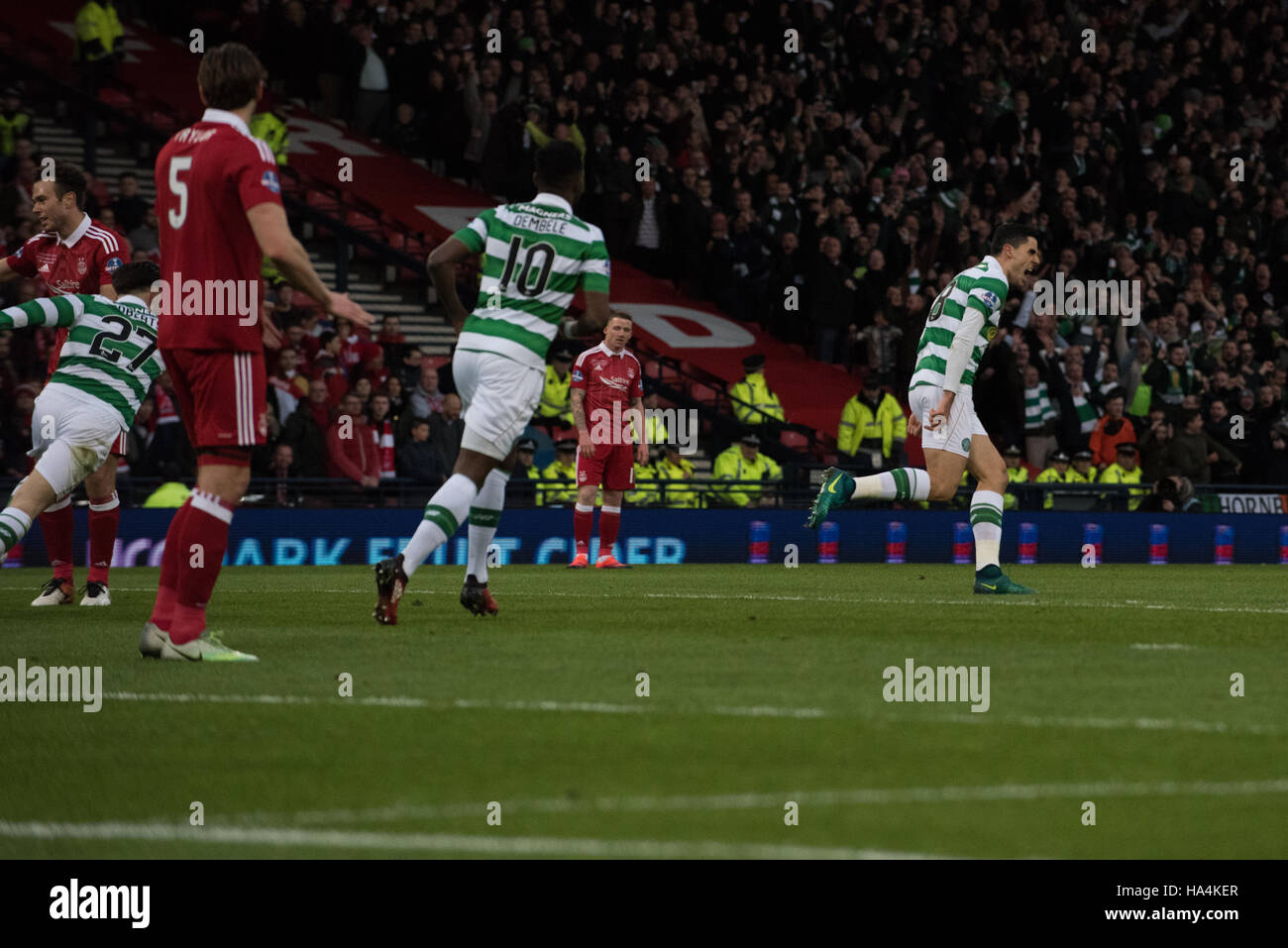 Aberdeen v Celtic, Betrfred League Cup Final, Glasgow, UK. 27th Nov, 2016.  Celtic players celebrate after Tom Rogic - Stock Image