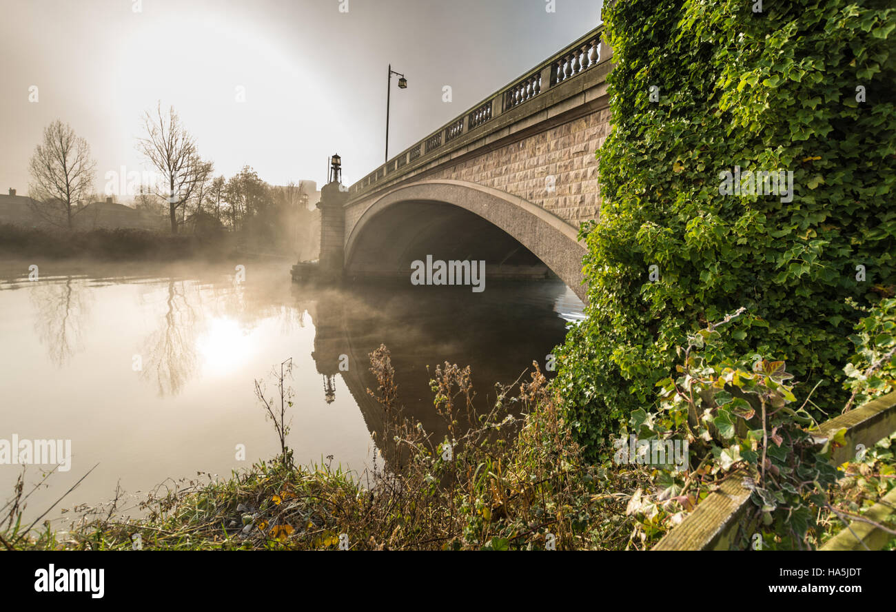 The Kingsway bridge in Latchford, Warrington on a cold/misty/frosty Saturday morning in November. Stock Photo